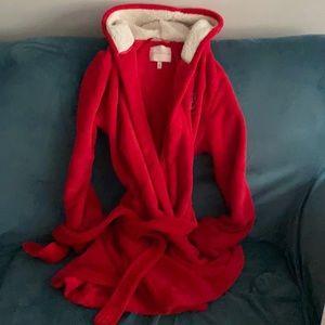 Nwot Victoria's Secret robe red m monogram